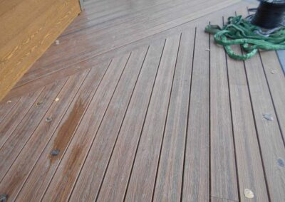 New composite decking with concealed fasteners